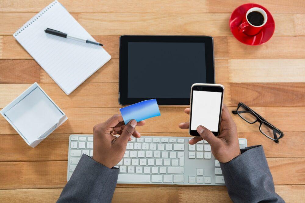 飲食店でクレジットカード決済を導入するデメリット