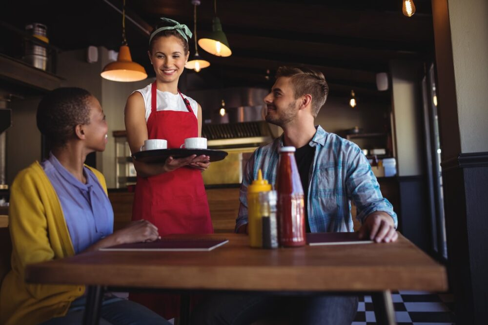 飲食店で好印象を与える接客術